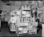 Heinz baby food display in grocery store
